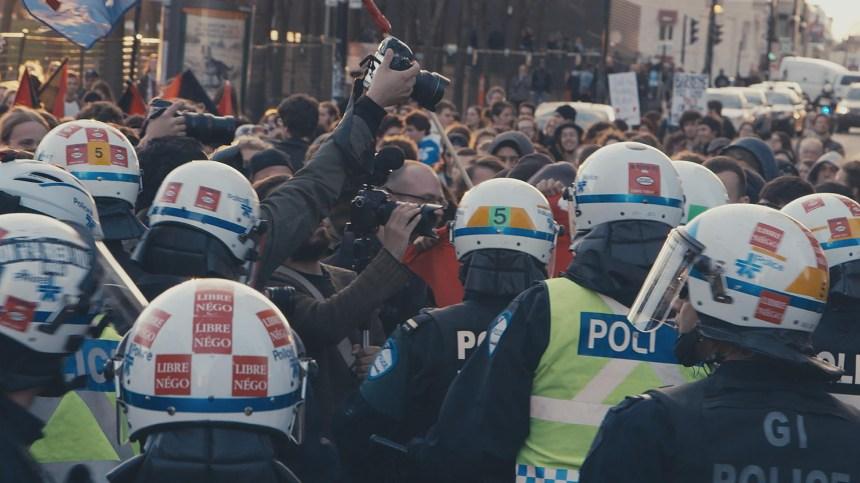 Les policiers au cœur de la guerre de l'image
