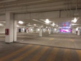 Lors du passage de TC Media, plus de 400 places de stationnement étaient inutilisées à la Place Viau.