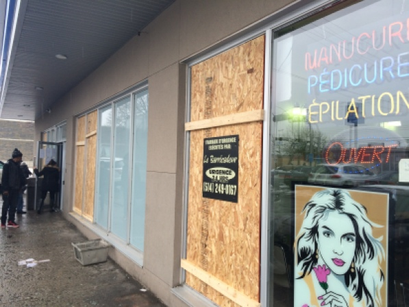 Plusieurs commerces touchés ont été fermés au lendemain d'actes de vandalisme dans Montréal-Nord.