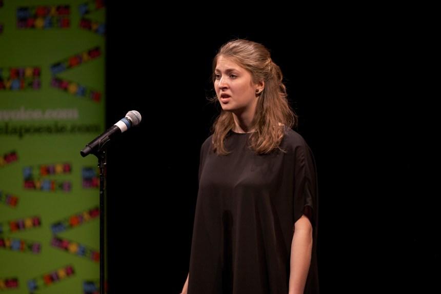 Concours de poésie: deuxième place pour une étudiante du cégep de Saint-Laurent