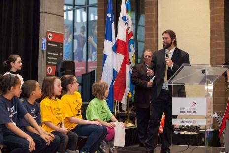 Nicolas Boulay, joueur de football chez les Allouettes de Montréal et porte-parole de ces jeux, encourage les jeunes à faire du sport . Photo: Isabelle Boulay/TC Media