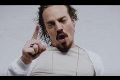 [Vidéo] «Un premier hymne aux couilles»