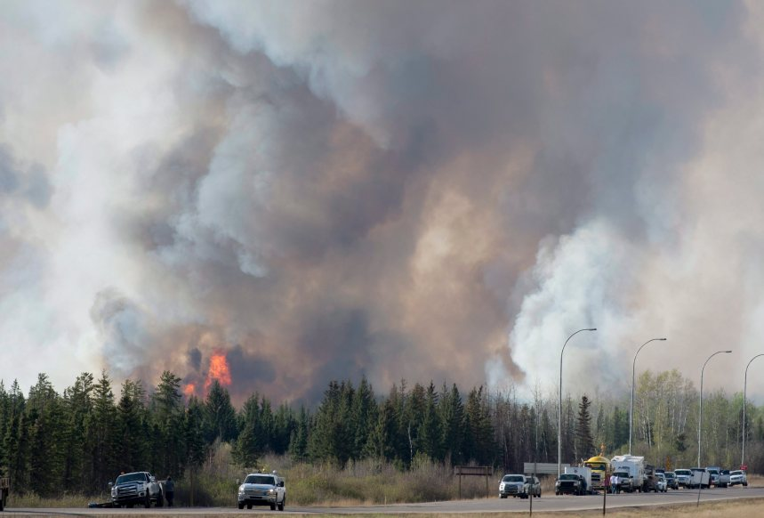 Alberta: le Québec enverra 44 pompiers mardi