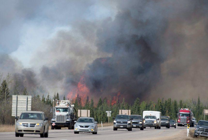 Alberta: des écoles accueilleront les quelque 12 000 jeunes évacués