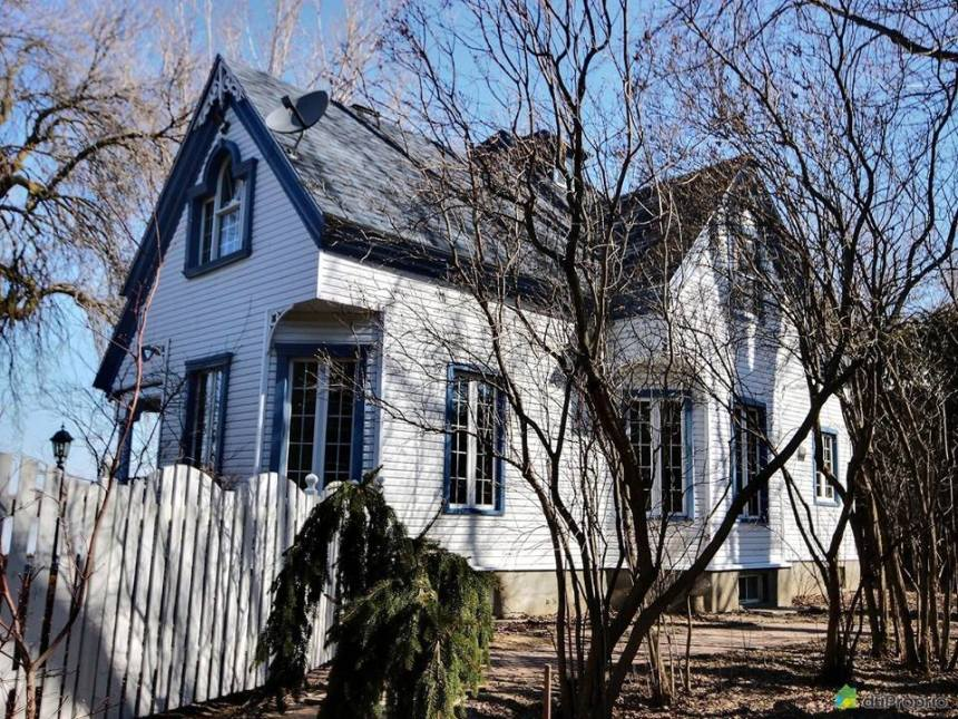 Il offre 10 000$ à quiconque l'aide à vendre sa maison
