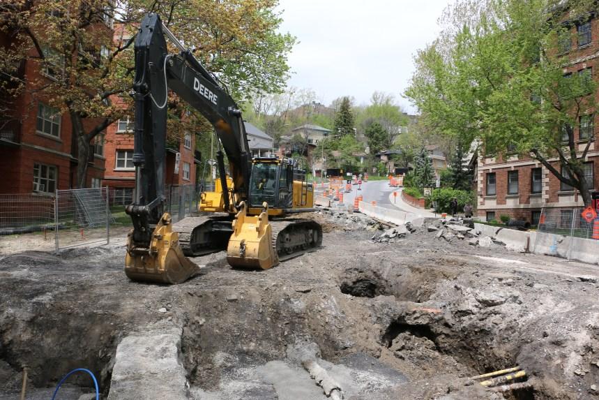 Travaux de construction aux villes: patrons unis