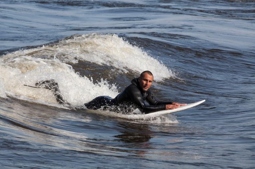 Montréal veut améliorer la sécurité des surfeurs