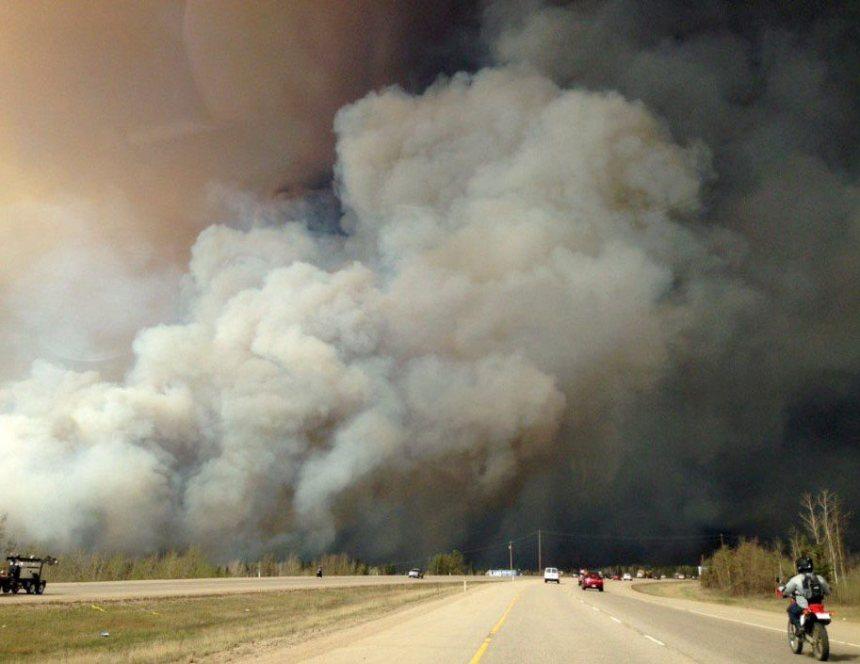 Fort McMurray: 30 000 personnes évacuées