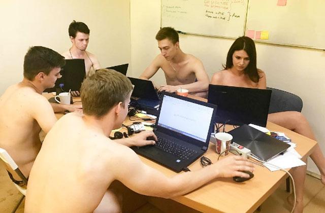 Pourquoi tous ces Biélorusses vont-ils travailler tout nus?