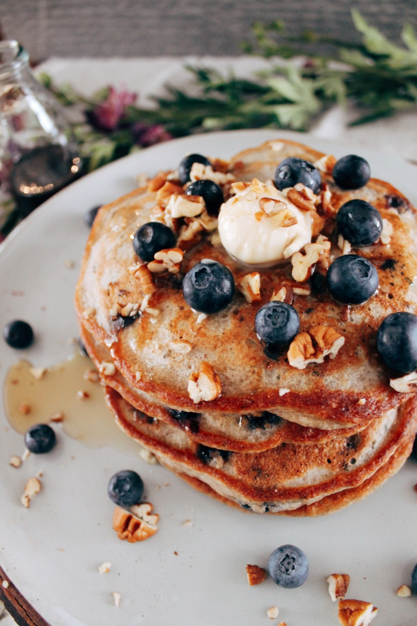 Manger sans gluten ni produits laitiers: crêpes bleuets-banane
