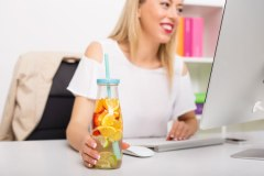 6 idées pour rester motivé au travail l'été