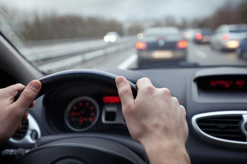 Coroner: le système mains libres au volant risqué