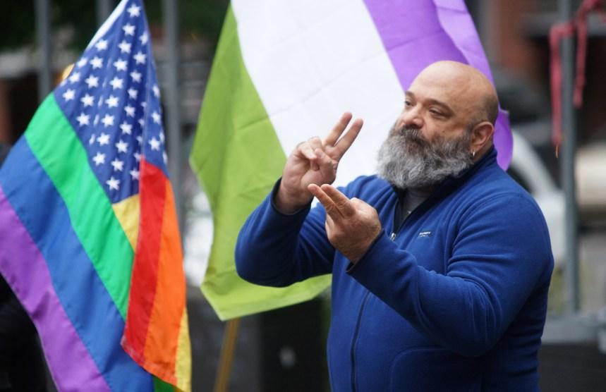 Orlando: La communauté LGBT de Montréal sous le choc