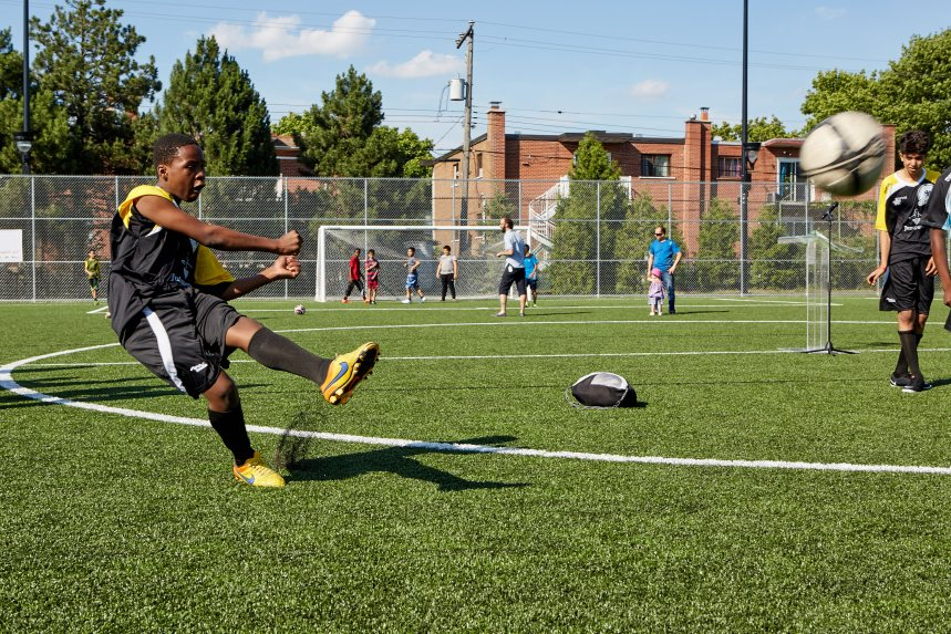 Terrain de mini-soccer tout neuf au parc René-Goupil
