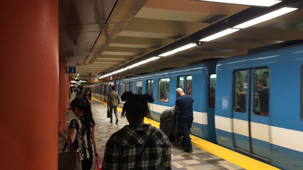 Métro à la Station McGill.