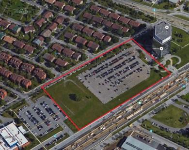 L'immeuble sera situé sur le stationnement d'Industrielle Alliance, à l'angle du boulevard Crémazie et de l'Avenue Papineau.  Photo: Google Maps