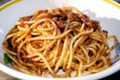 Des pâtes pour les sinistrés italiens