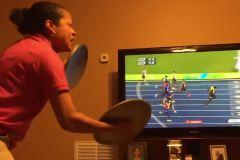 Cette maman jamaïcaine était très contente pour Usain Bolt!