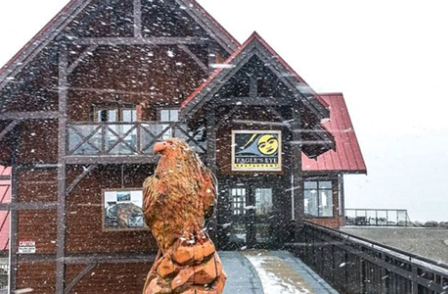 Une première neige tombe au Canada