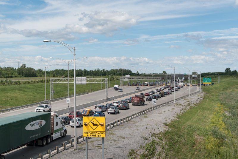 Un rapport propose des péages routiers et une augmentation de la taxe sur l'essence
