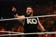 Un Québécois champion universel de la WWE