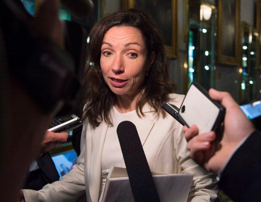 Martine Ouellet tire à boulets rouges sur l'establishment et son chef Gaudreault