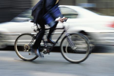 Des citoyens s'opposent à une piste cyclable pour préserver des stationnements