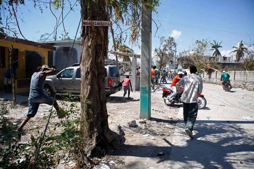 Convois humanitaires attaqués en Haïti: des sinistrés restent sur leur faim