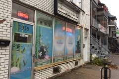Un salon de massage érotique dans leur ruelle verte