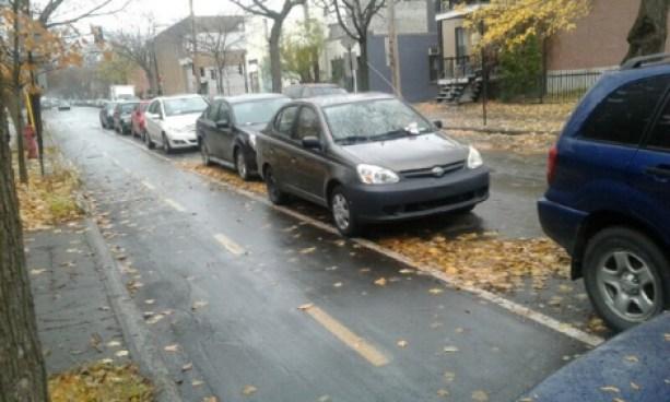 Plusieurs contraventions avaient été remises aux automobilistes mal garés sur la rue Boyer le mercredi 16 novembre, en après-midi.