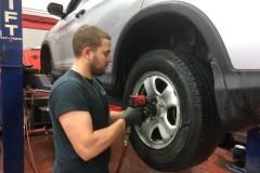 Les pneus d'été ou quatre-saisons seront autorisés sur les routes du Québec samedi