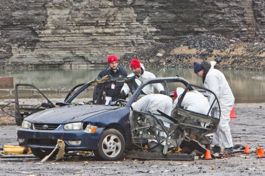 La police s'exerce pour un attentat à la voiture piégée