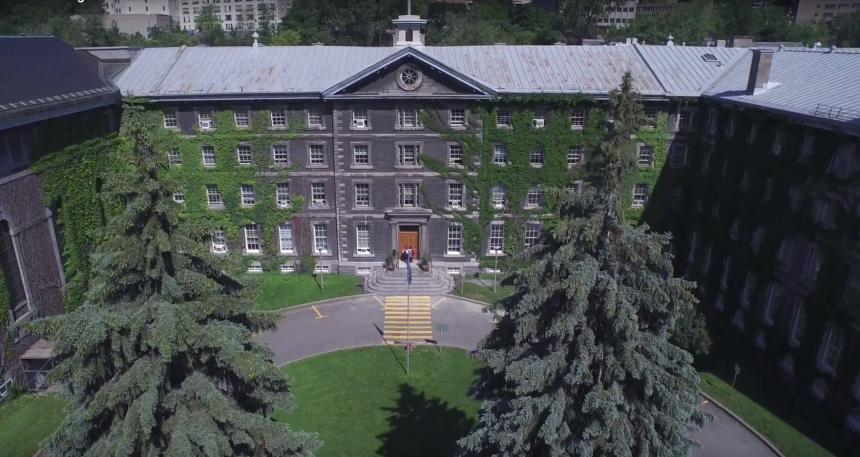 Visite du Collège de Montréal, à travers 250 ans d'histoire