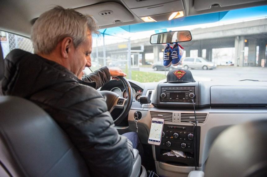 Être sourd et chauffeur de taxi ou d'Uber, est-ce possible?