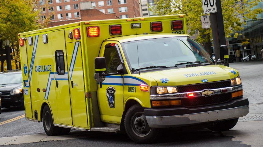 Un chauffeur de la STM blessé dans une collision à Montréal-Nord