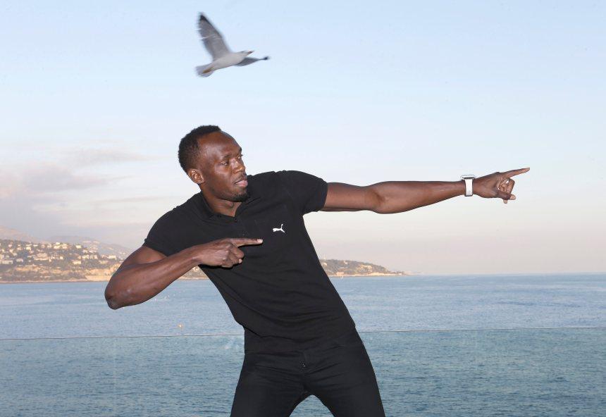 Usain Bolt y va d'une performance de deux buts