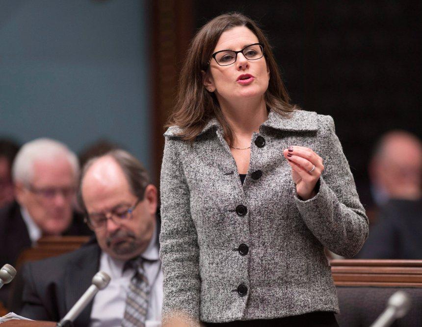 Stéphanie Vallée attaque Yves Francoeur