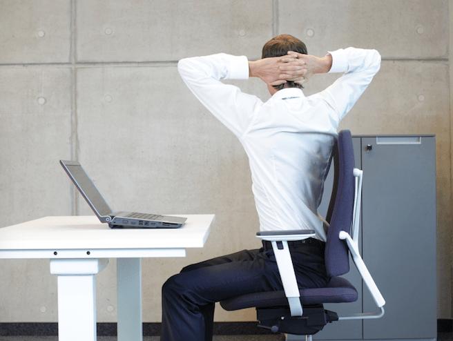 Cinq exercices pour se détendre au bureau