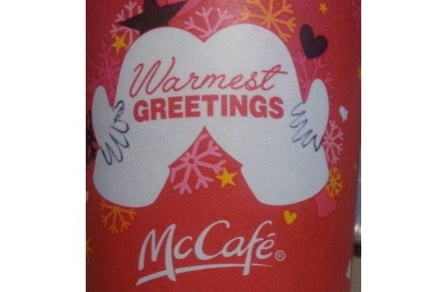 Voici pourquoi tout le monde parle des tasses de Noël de McDonald's