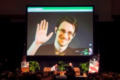 Des avocats montréalais veulent ramener les «anges gardiens» de Snowden au Canada