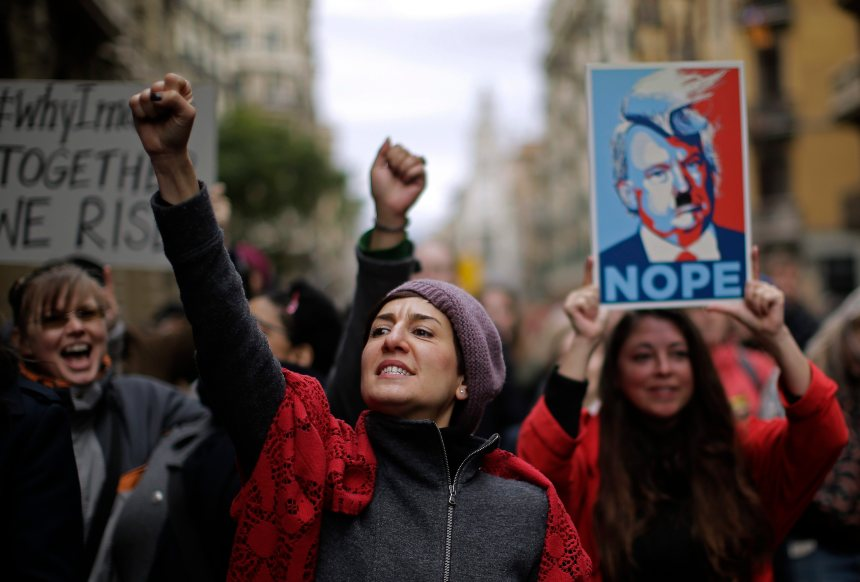 Les femmes américaines défilent dans les rues