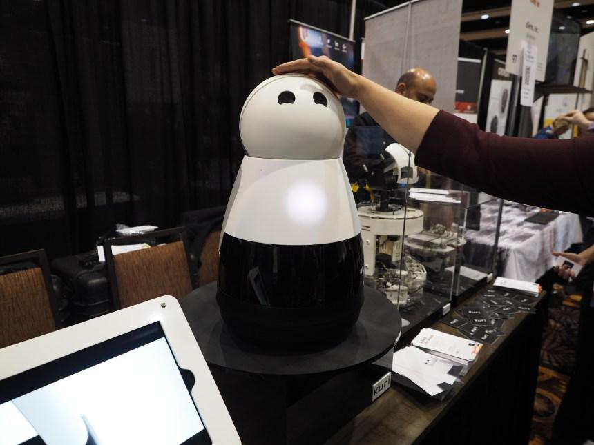 Les robots envahissent le CES