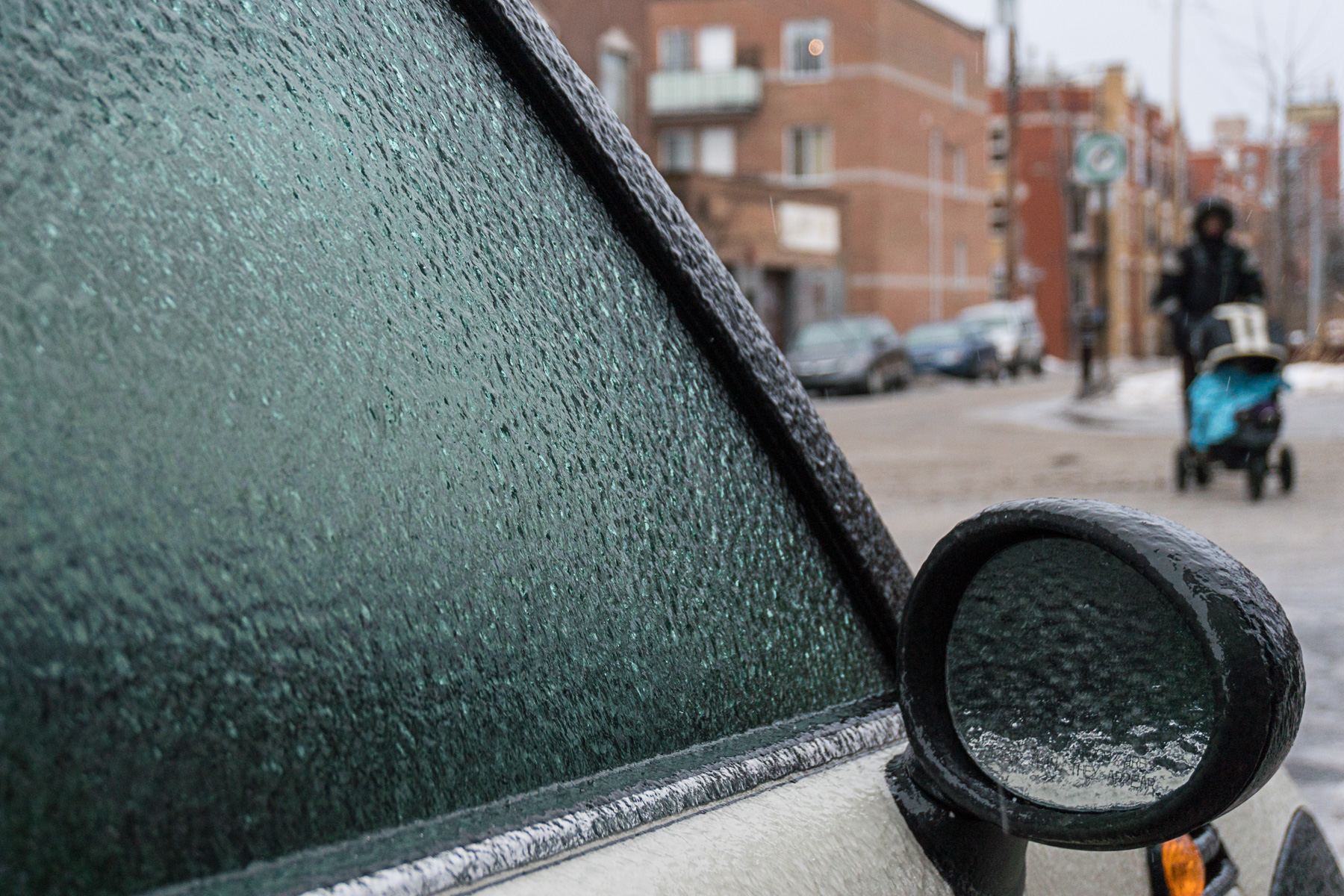 Pluie verglaçante: conditions difficiles mardi à Montréal, Longueuil et Laval