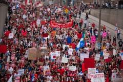 Manifestations: Montréal supprimera le règlement P-6