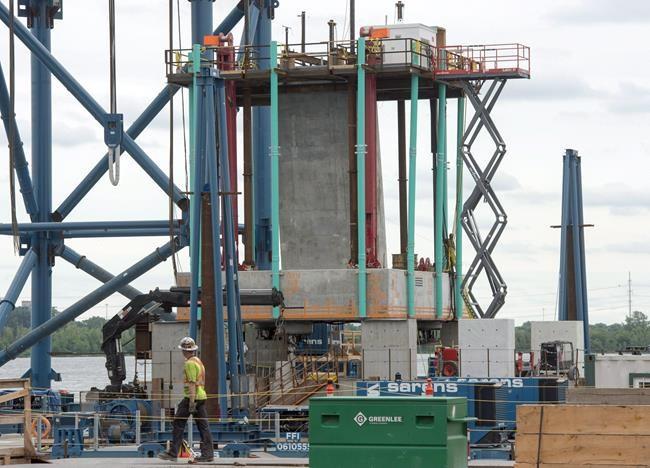 Pont Champlain: poursuite de 124 M$ contre Ottawa