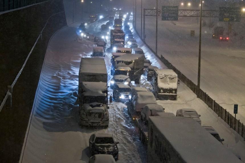 Carambolage sur l'A13: silence du MTQ sur les automobilistes piégés