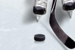 Un jeune hockeyeur meurt sur la glace en Colombie-Britannique