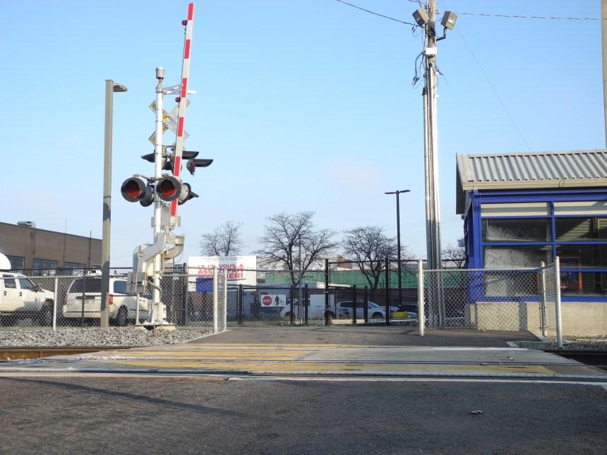 Des rails qui séparent depuis trois décennies