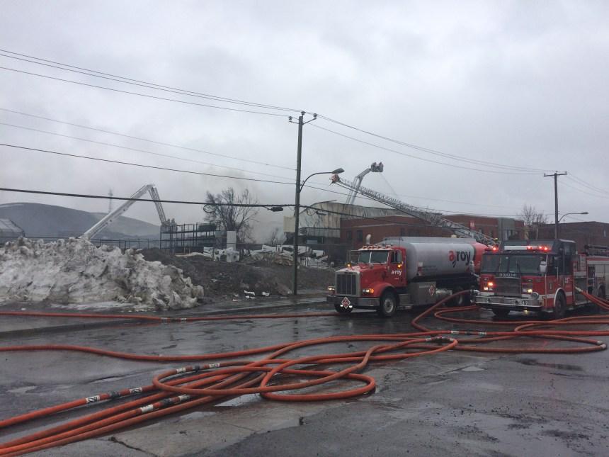 Incendie à Anjou: les opérations bientôt terminées