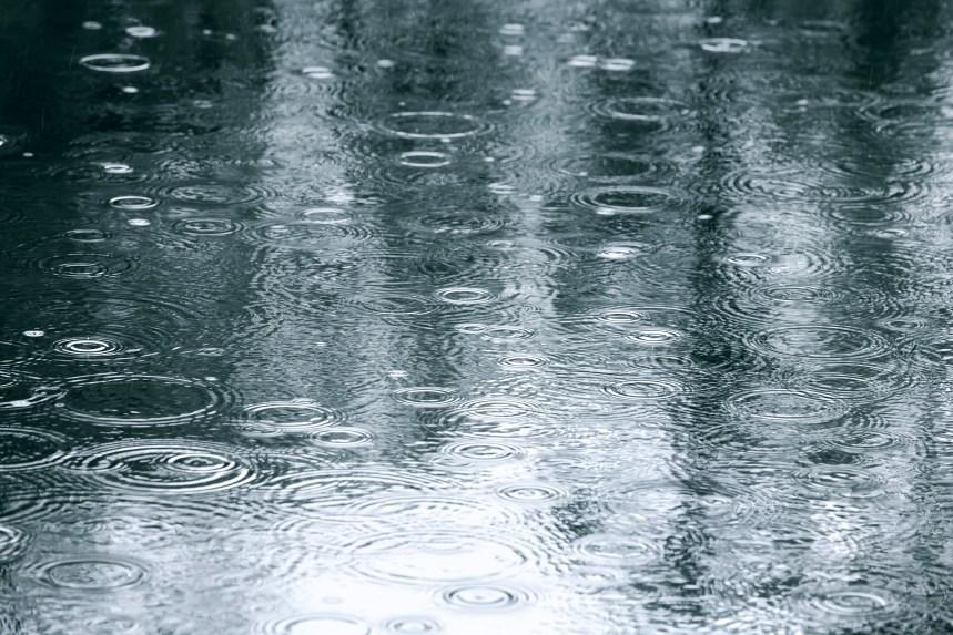 La pluie s'abat sur Montréal
